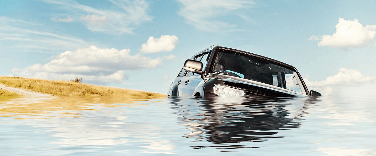 how to escape sinking drowning car vehicle