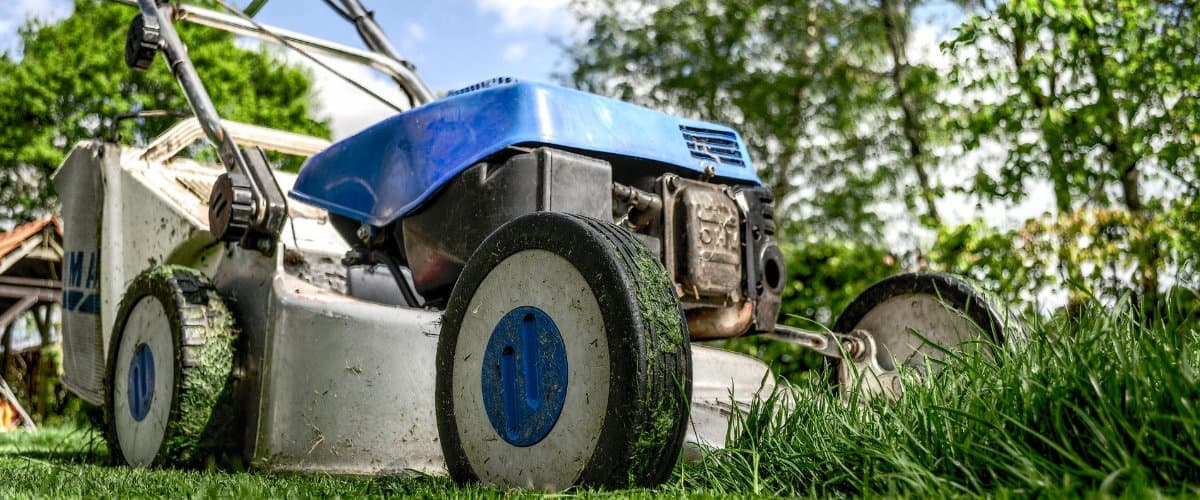 which is better vs gas electric lawn mower